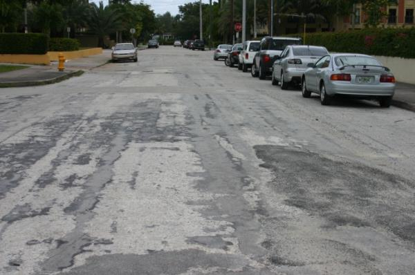 Cardena Street before resurfacing